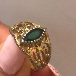 Vintage gold plated green stone ring